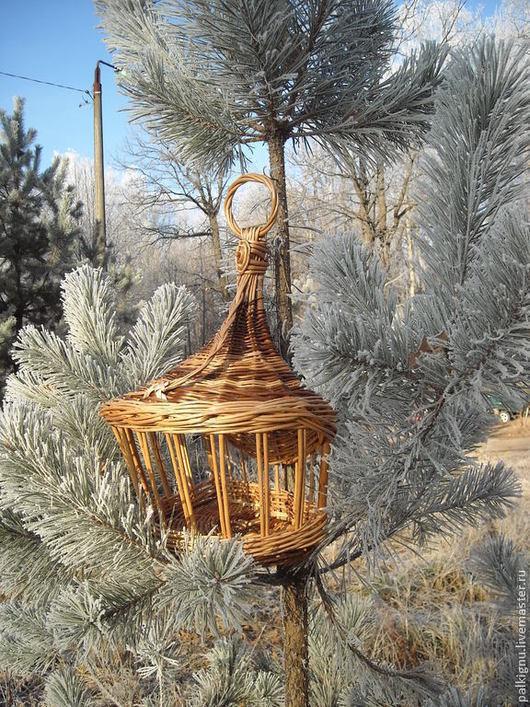 Кормушка для птиц балконная,  из ивовой лозы. `Зимняя сказка`