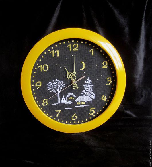 """Часы для дома ручной работы. Ярмарка Мастеров - ручная работа. Купить """"Лунная ночь"""" настенные часы. Handmade. Желтый"""