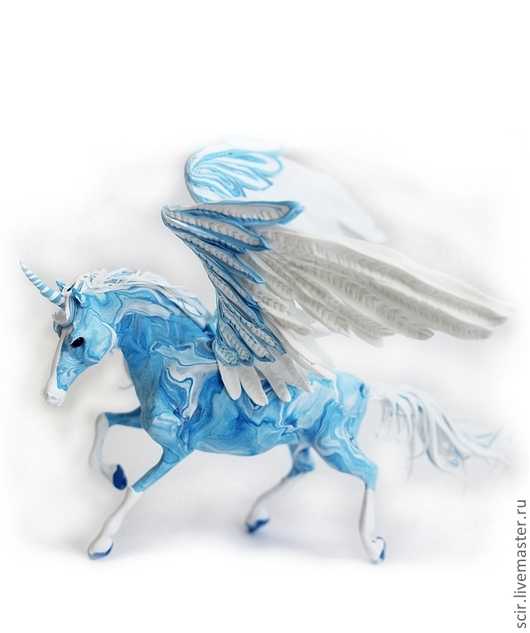 """Сказочные персонажи ручной работы. Ярмарка Мастеров - ручная работа. Купить фигурка """"Пегас стихии воздуха"""" (голубой с белым). Handmade."""