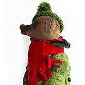 """Куклы и игрушки ручной работы. Ярмарка Мастеров - ручная работа Мишка """"Федя"""" в зеленом пальто и вязяной шапке. Handmade."""