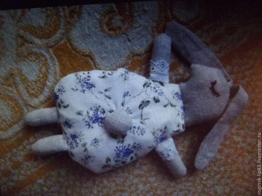 """Пледы и одеяла ручной работы. Ярмарка Мастеров - ручная работа. Купить Грелка """"Вишнёвый зайка"""". Handmade. Рисунок, вишневые косточки"""