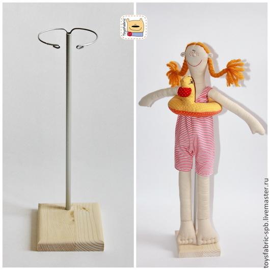 Куклы и игрушки ручной работы. Ярмарка Мастеров - ручная работа. Купить Подставка для кукол 10см из сосны (1С10Х10Р) деревянная с держателем. Handmade.