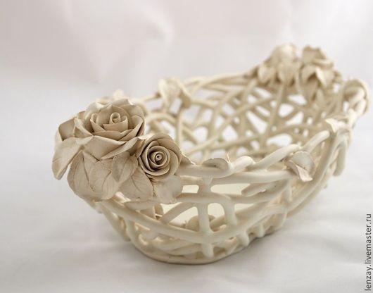 Фруктовница `Мартини и розы`. Плетеная керамика и керамические цветы Елены Зайченко