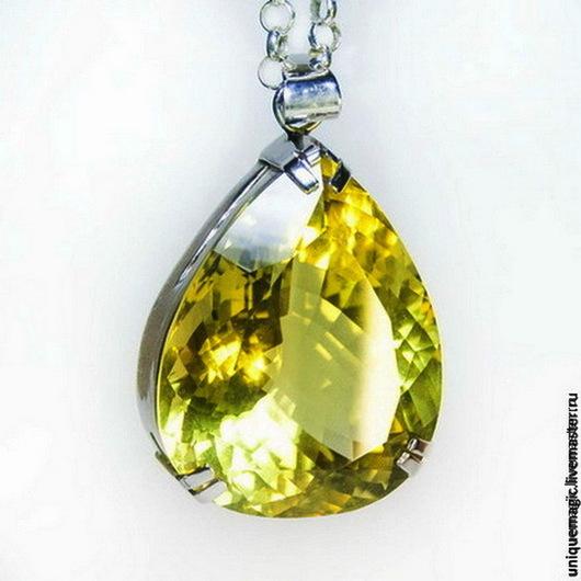 Эксклюзив! Уникальный камень очень высоких ювелирных характеристик в великолепном кулоне!