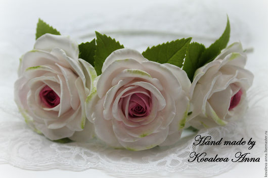 Диадемы, обручи ручной работы. Ярмарка Мастеров - ручная работа. Купить Ободок с розами. Handmade. Белый, розы из фоамирана