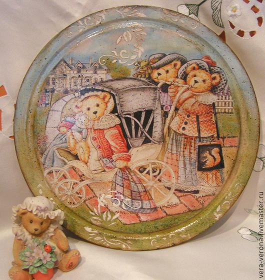 """Кухня ручной работы. Ярмарка Мастеров - ручная работа. Купить Декоративное панно- доска """" Семейная прогулка """". Handmade."""