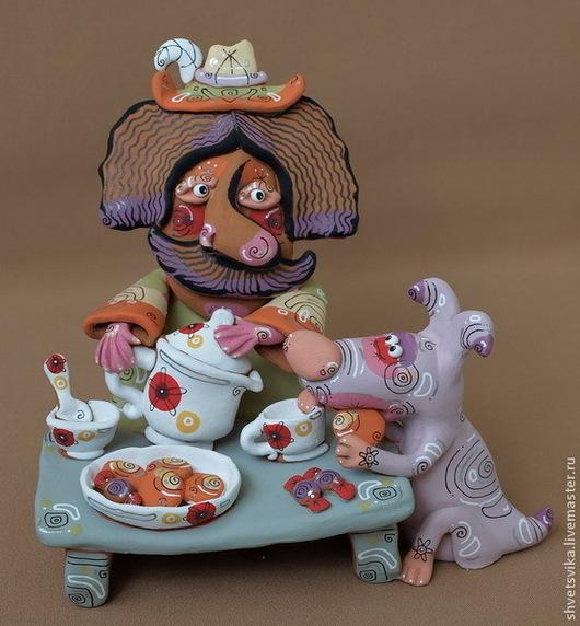 Статуэтки ручной работы. Ярмарка Мастеров - ручная работа. Купить Мужичок пьет чай с собачкой.Скульп. керамическая. Роспись по керамике.. Handmade.