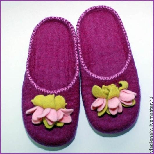"""Обувь ручной работы. Ярмарка Мастеров - ручная работа. Купить Тапочки """"Цветочки"""". Handmade. Домашние тапочки, фуксия"""