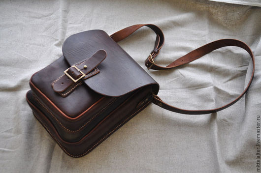 Мужские сумки ручной работы. Ярмарка Мастеров - ручная работа. Купить Летняя мужская сумка на ремешке. Handmade. Коричневый
