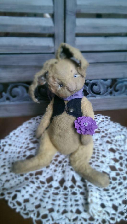 Мишки Тедди ручной работы. Ярмарка Мастеров - ручная работа. Купить кролик Эрвин (18 см). Handmade. Бежевый, цветок