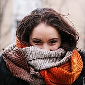 Аксессуары ручной работы. Ярмарка Мастеров - ручная работа Снуд вязаный шарф на голову коричневый, серый, бежевый, оранжевый. Handmade.