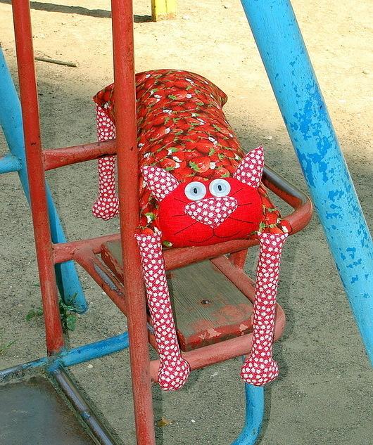 """Игрушки животные, ручной работы. Ярмарка Мастеров - ручная работа. Купить Игрушка-подушка """"Радужный кот"""" клубничный. Handmade. котик"""