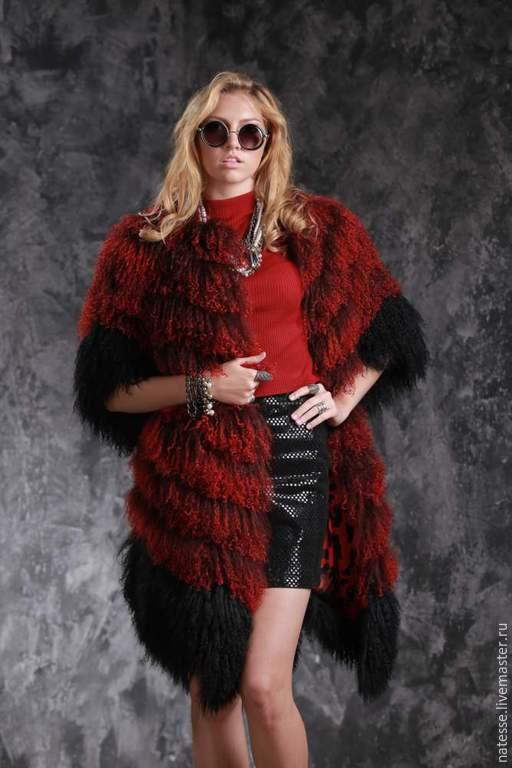 Шуба жилет из испанской ламы рукава съемные цвета `Бордо`