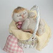 Куклы и игрушки ручной работы. Ярмарка Мастеров - ручная работа Кошка Крошка Китти, коллекционная игрушка из шерсти в подарок.. Handmade.