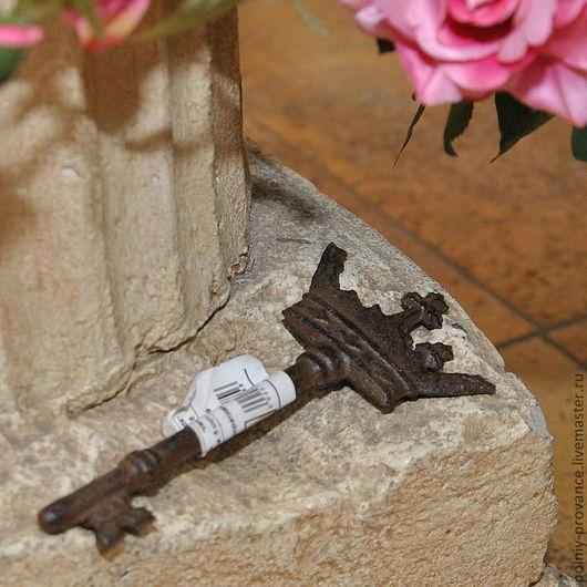 Другие виды рукоделия ручной работы. Ярмарка Мастеров - ручная работа. Купить Ключ Корона 82-849. Handmade. Коричневый
