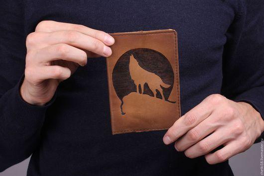 Подарки для мужчин, ручной работы. Ярмарка Мастеров - ручная работа. Купить Обложка на паспорт Волк. Handmade. Коричневый, кожа натуральная