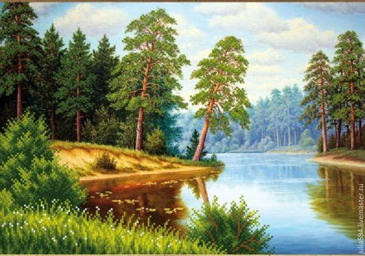 """Пейзаж ручной работы. Ярмарка Мастеров - ручная работа. Купить Картина из бисера """"Сосны на реке"""" вышивка. Handmade. Зеленый"""