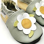 Одежда детская handmade. Livemaster - original item Сhamomile flower baby shoes, Leather Baby Slippers, Girl Moccasins. Handmade.