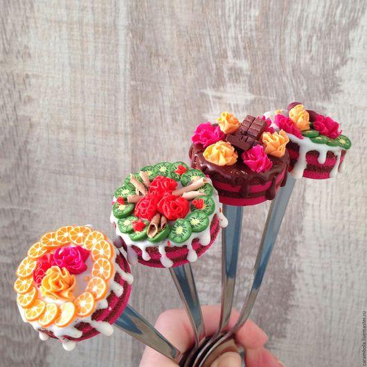 """Ложки ручной работы. Ярмарка Мастеров - ручная работа. Купить """"Вкусная ложка"""" Тортик. Handmade. Комбинированный, подарок девушке, сувенир"""