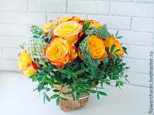 Подарочная композиция из живых цветов