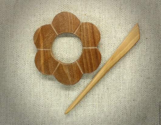 """Заколки ручной работы. Ярмарка Мастеров - ручная работа. Купить Заколка деревянная """"Ромашка"""". Handmade. Коричневый, лавка гномов"""