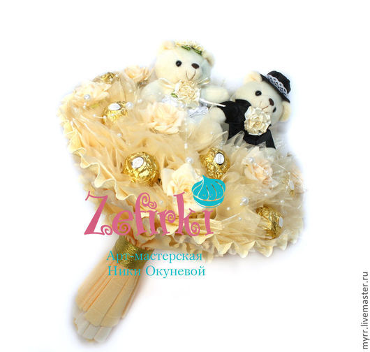 Букеты ручной работы. Ярмарка Мастеров - ручная работа. Купить Букет из игрушек и конфет подарок молодожёнам на свадьбу  и годовщину. Handmade.