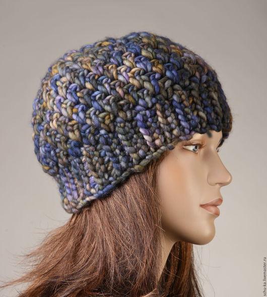 шапка вязаная вручную крючком из элитной шерсти ручного крашения