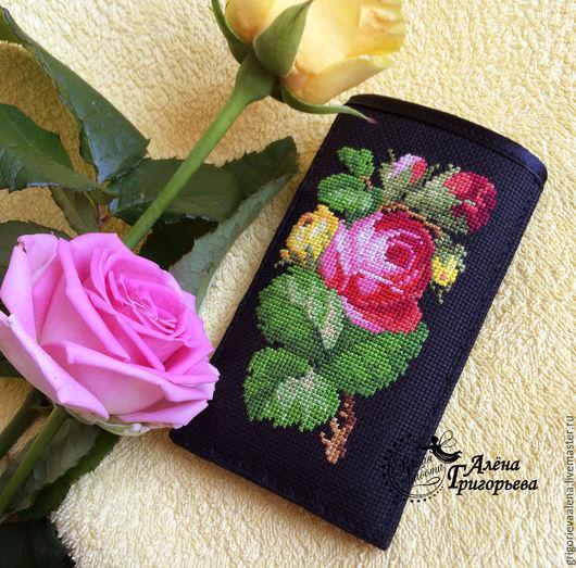 """Для телефонов ручной работы. Ярмарка Мастеров - ручная работа. Купить Чехол для телефона """"Имя розы"""". Handmade. Черный"""