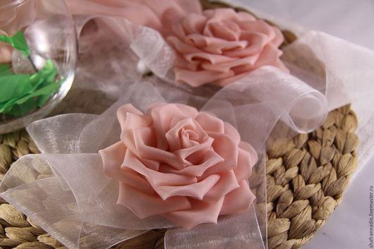 """Заколки ручной работы. Ярмарка Мастеров - ручная работа. Купить Резинка для волос """"Rose"""". Handmade. Бледно-розовый, розовые розы"""