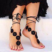 Украшения ручной работы. Ярмарка Мастеров - ручная работа Вязаные босые сандалии Black Flowers. Handmade.