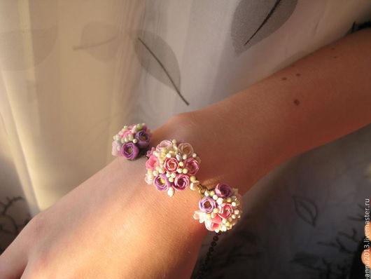 """Браслеты ручной работы. Ярмарка Мастеров - ручная работа. Купить Браслет """"Цветы для модницы"""". Handmade. Букет, розы, белые цветы"""