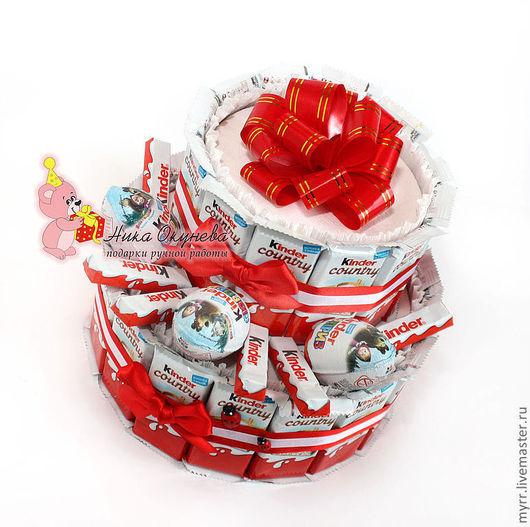 Кулинарные сувениры ручной работы. Ярмарка Мастеров - ручная работа. Купить ТОРТ ИЗ КИНДЕРОВ подарок ребёнку подарок девушке киндер сюрприз. Handmade.
