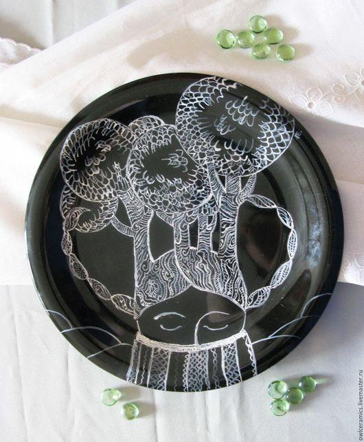 Тарелки ручной работы. Ярмарка Мастеров - ручная работа. Купить Тарелка большая декоративная Воображаемый лес. Handmade. Чёрно-белый