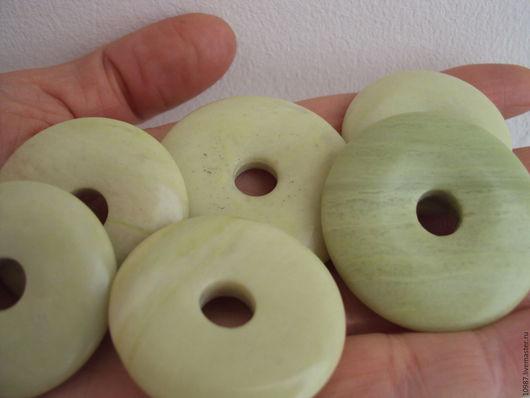 Для украшений ручной работы. Ярмарка Мастеров - ручная работа. Купить Каменные диски 4 и 3,5см.. Handmade. Мятный