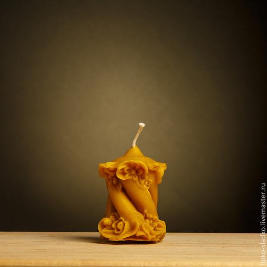 """Свечи ручной работы. Ярмарка Мастеров - ручная работа. Купить Свеча из  натурального пчелиного воска """"Витая с цветами"""". Handmade. Оранжевый"""