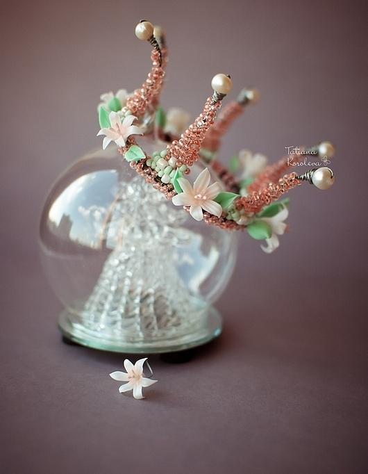 """Диадемы, обручи ручной работы. Ярмарка Мастеров - ручная работа. Купить Жемчужно-цветочная корона """"Хочу быть принцессой"""".. Handmade. Корона"""