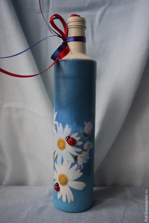 """Декоративная посуда ручной работы. Ярмарка Мастеров - ручная работа. Купить """"Ромашки"""" бутылка. Handmade. Голубой, ромашки, салфетка"""