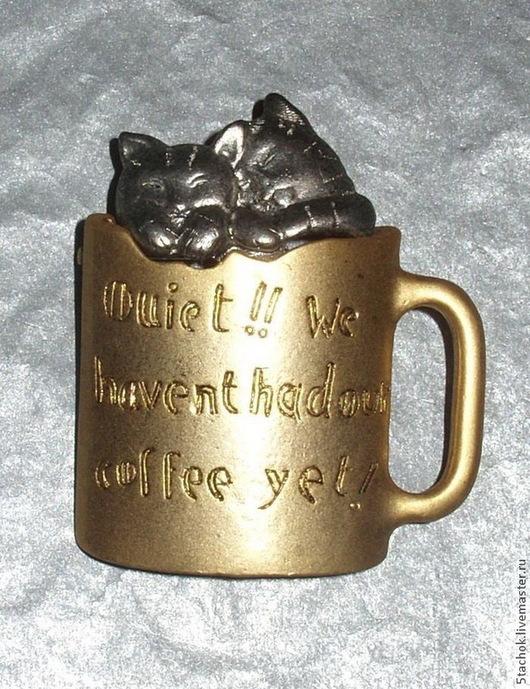 """Винтажные украшения. Ярмарка Мастеров - ручная работа. Купить Брошь """"Два котенка в кружке"""" под олово и золото (Danecraft США). Handmade."""