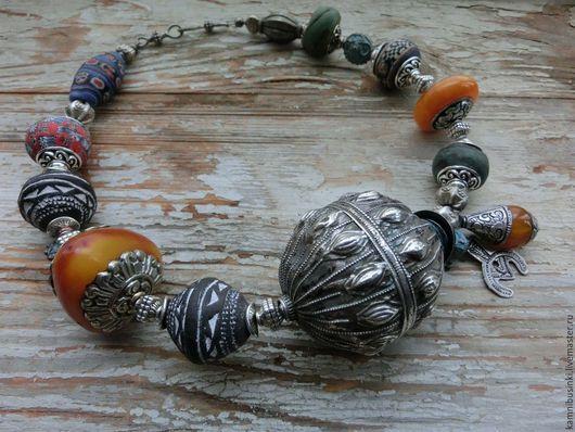 Чокер `Йемен` этнические украшения, антикварные бусы, Колье из  хеврона, серебра Йемена, непальских бусин, исламских бусин, янтарь, тибетская фурнитура - ручная работа Kamnibusinki.