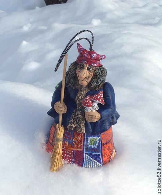 Колокольчики ручной работы. Ярмарка Мастеров - ручная работа. Купить Баба Яга на зимовке колокольчик. Handmade. Баба яга, метла