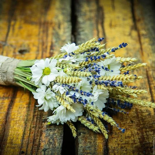 Свадебные аксессуары в стиле рустик. Ароматный букет невесты из лаванды, пшеницы и хризантем