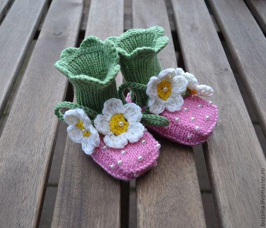 Для новорожденных, ручной работы. Ярмарка Мастеров - ручная работа. Купить Теплые пинетки  для девочки  из шерсти Клубнички розовые. Handmade.
