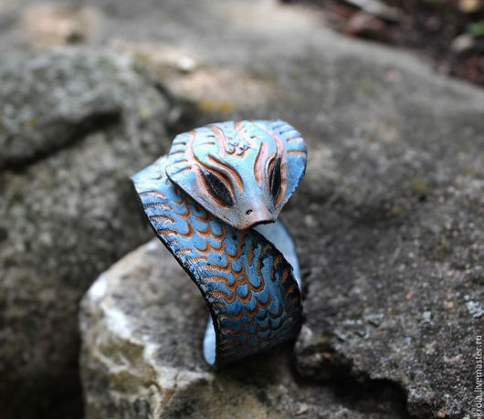 """Браслеты ручной работы. Ярмарка Мастеров - ручная работа. Купить Браслет из кожи """"Змейка"""". Handmade. Голубой, браслет из кожи"""