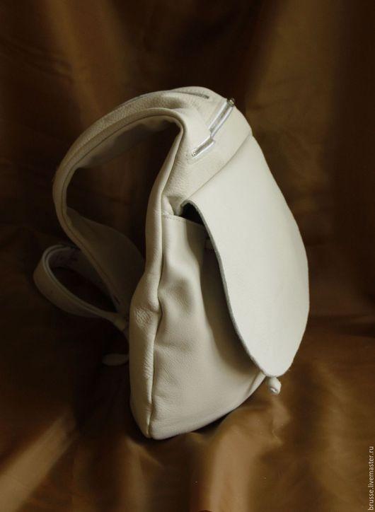Рюкзаки ручной работы. Ярмарка Мастеров - ручная работа. Купить Рюкзак на одно плечо из натуральной кожи Redbag.. Handmade. Однотонный