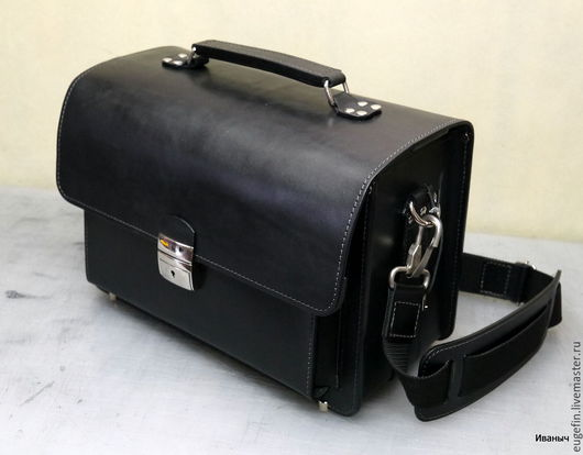 Мужские сумки ручной работы. Ярмарка Мастеров - ручная работа. Купить Кожаная Фотосумка XLразмер. Handmade. Черный, толстая, зеркального