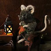 Куклы и игрушки ручной работы. Ярмарка Мастеров - ручная работа Мышка-рукодельница по сказкам Беатрикс Поттер. Handmade.