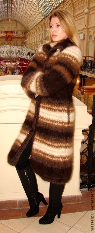 Пальто «Зимняя Сказка» вязанное из собачьей шерсти . Ручная работа . 100% эксклюзив .