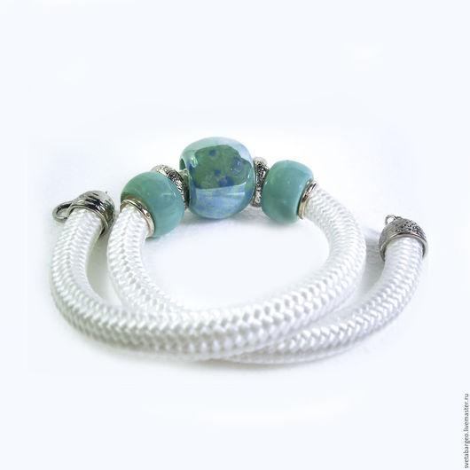 Колье, бусы ручной работы. Ярмарка Мастеров - ручная работа. Купить Колье,керамика,белый шнур,серебристая фурнитура,цвет морской волны. Handmade.
