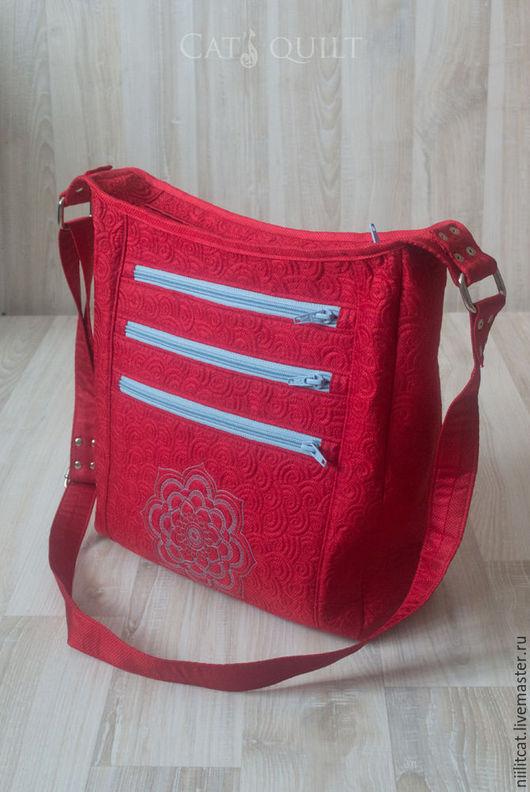 """Женские сумки ручной работы. Ярмарка Мастеров - ручная работа. Купить Сумка """"Красная"""". Handmade. Комбинированный, сумка на плечо, хлопок"""
