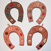 Подарки к праздникам handmade. Livemaster - original item Horseshoe for luck made of patchwork fabric. Handmade.